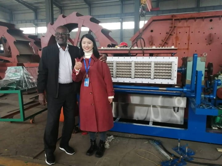customer visiting for egg tray machine